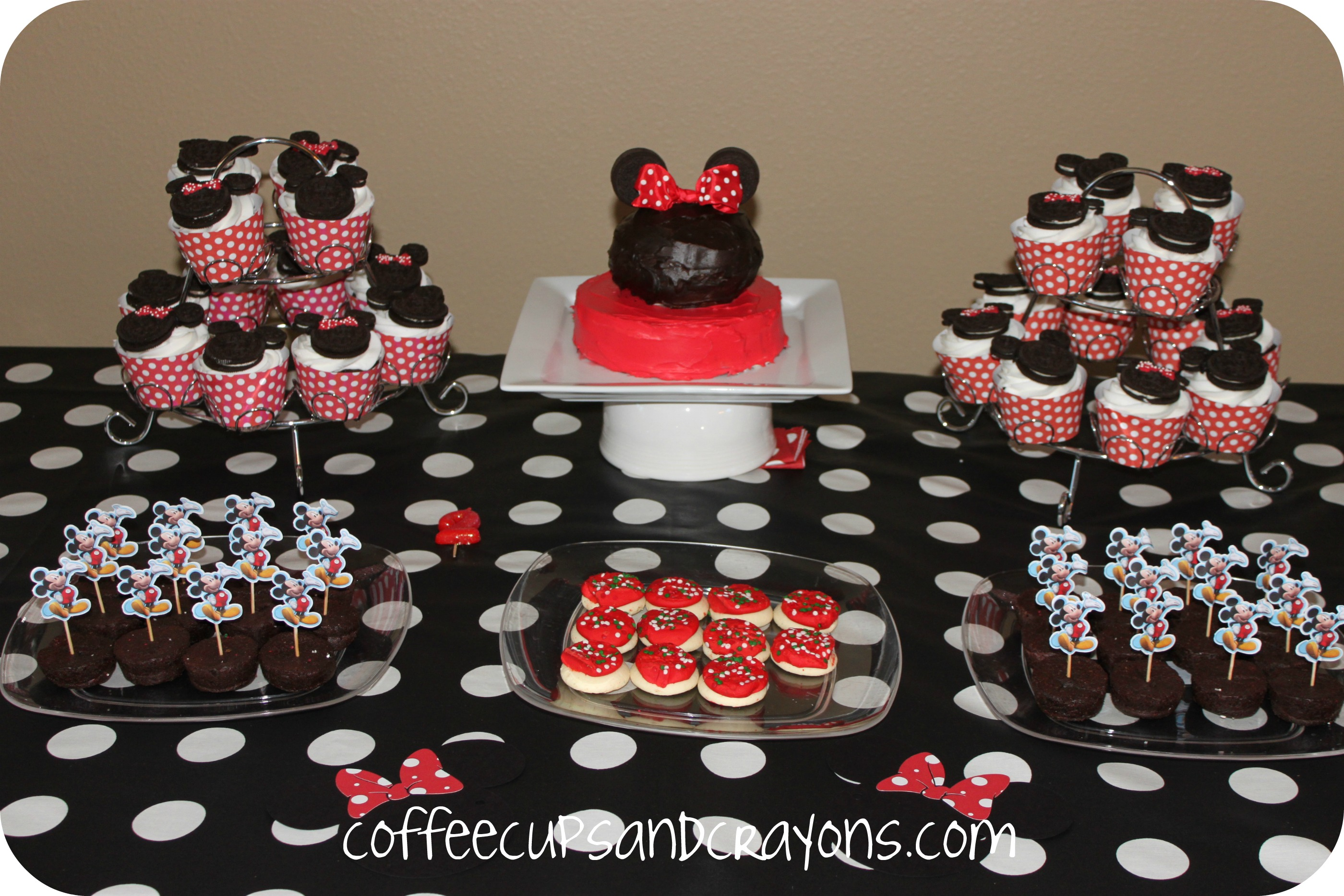 Mickey and Minnie Food and Dessert Ideas Coffee Cups and Crayons
