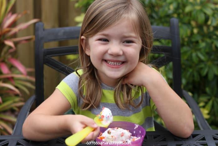 Rainbow ice cream sundaes kids will love!