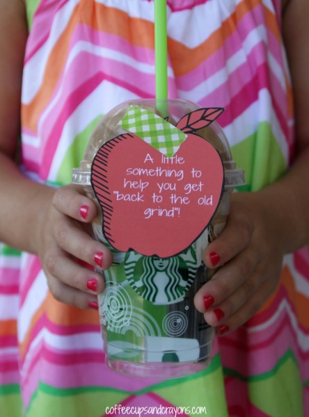 Back to School Teacher Gift! Free printable coffee gift tags for aan easy teacher gift!