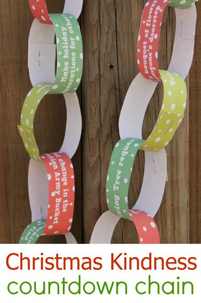 Free Printable Random Acts of Christmas Kindness Countdown Chain for Kids!