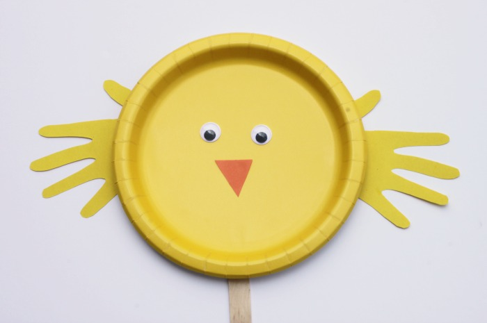 Adorable Easter and Spring Kids Craft! Make a paper plate chick puppet!