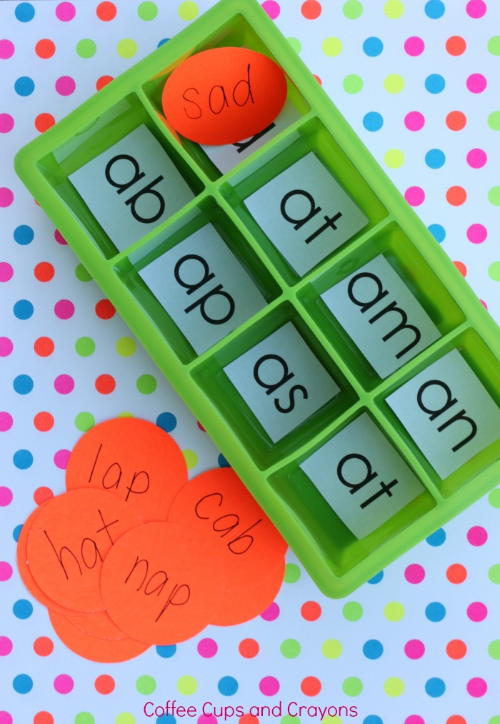 Kindergarten Word Sort Busy Bag for Kids!