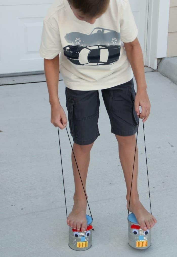 Make Tin Can Stilts This Summer!
