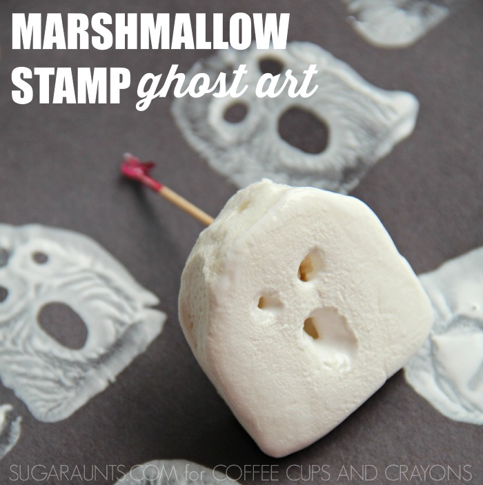Make these marshmallow ghost stamps for Halloween! Kids will love to make them at a Halloween party or playdate!