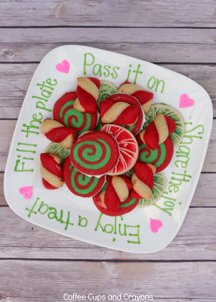How to Make a Kindness Cookie Plate for neighbors and friends! A wonderful homemade gift that keeps on giving!