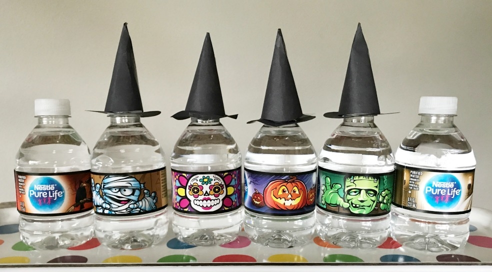 Make fun witches hat water bottle toppers for Halloween parties!